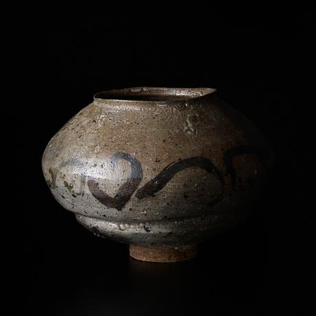 「図2 (No.9) 絵唐津壷 / Vessel, E-karatsu」の写真 その1