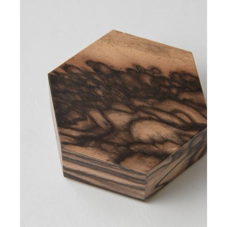 「No.10 黒柿孔雀杢六稜小箱 / Small box, Black persimmon」の写真 その3