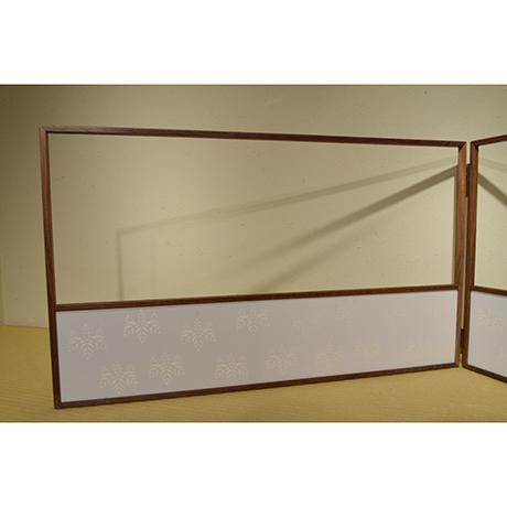 「No.18 桑縁京唐紙風炉先屏風 / Folding screen with Karakami, Mulberry tree」の写真 その1