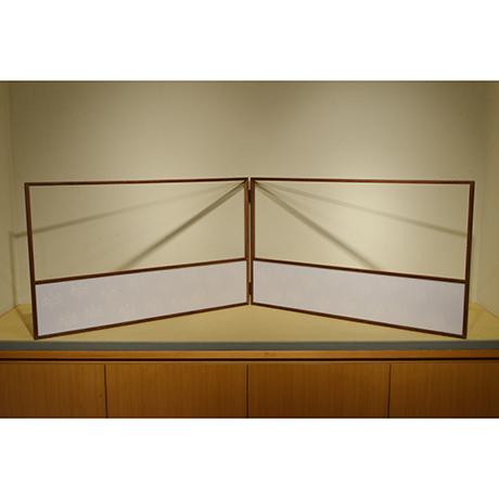 「No.18 桑縁京唐紙風炉先屏風 / Folding screen with Karakami, Mulberry tree」の写真 その2