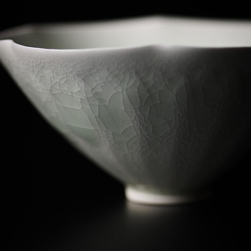 「No.20 塚本快示 青白磁輪花茶垸 / TSUKAMOTO Kaiji Tea bowl, Bluish white porcelain, Petal shaped」の写真 その2