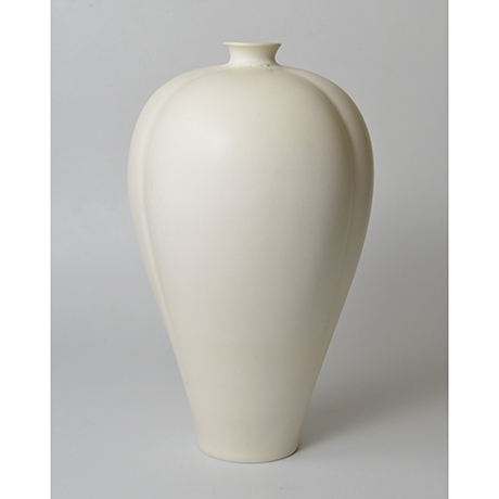 「No.24 伊藤秀人 白瓷梅瓶 / ITO Hidehito Meiping(Vase), White porcelain」の写真 その1
