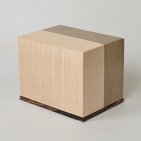 「No.28 神代杉象嵌箱「行雲」 / Ornamental box, Japanese cedar, Maple, Black persimmon」の写真 その1