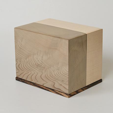 「No.28 神代杉象嵌箱「行雲」 / Ornamental box, Japanese cedar, Maple, Black persimmon」の写真 その2