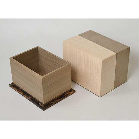 「No.28 神代杉象嵌箱「行雲」 / Ornamental box, Japanese cedar, Maple, Black persimmon」の写真 その5
