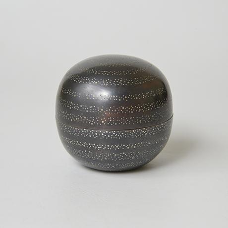 「No.36 長谷川清吉 銅錫象嵌丸茶器 / HASEGAWA Seikichi Tea caddy, Bronze」の写真 その2