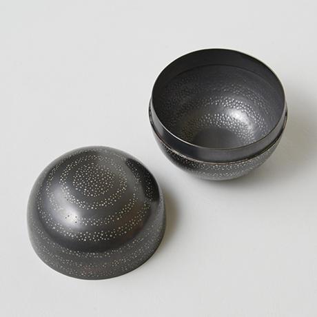「No.36 長谷川清吉 銅錫象嵌丸茶器 / HASEGAWA Seikichi Tea caddy, Bronze」の写真 その4