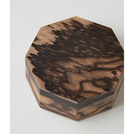 「No.9 黒柿孔雀杢八稜小箱 / Small box, Black persimmon」の写真 その3