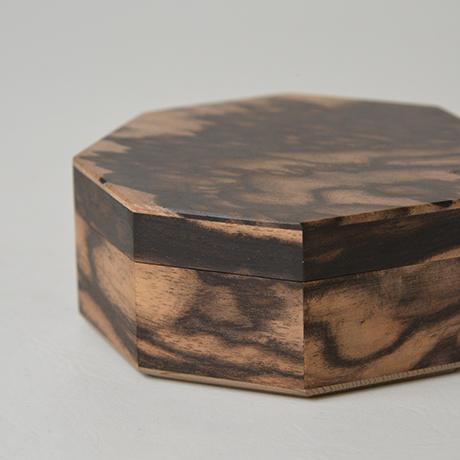 「No.9 黒柿孔雀杢八稜小箱 / Small box, Black persimmon」の写真 その4