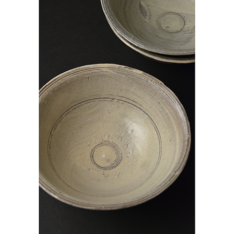 「No.96 絵刷毛目碗揃 五 / A set of 5 bowls, E-hakeme」の写真 その2