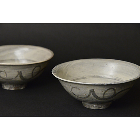 「No.96 絵刷毛目碗揃 五 / A set of 5 bowls, E-hakeme」の写真 その3