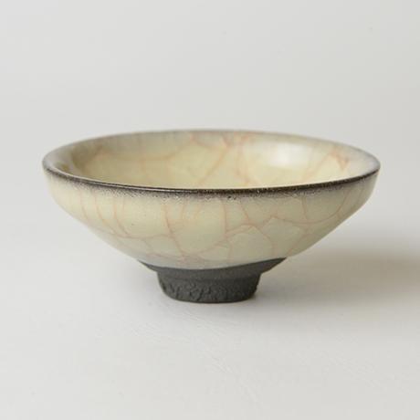 米色瓷ぐい呑