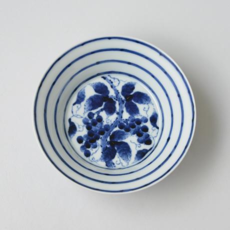 「No.10 横縞葡萄文向付 / Dish with grape vine design, Sometsuke」の写真 その2