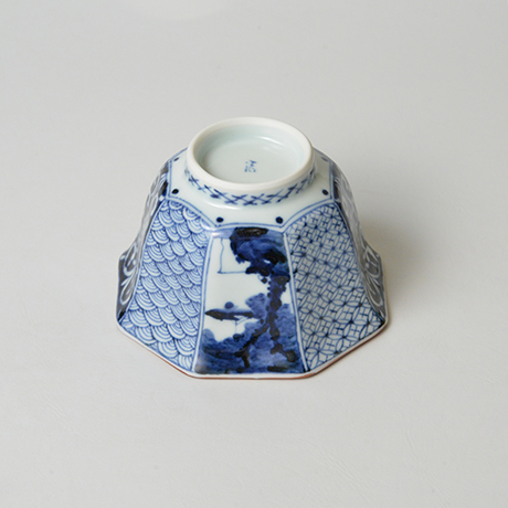 「No.11 祥瑞山水図八角小向付 / Small bowl with landscape design, Sometsuke」の写真 その3