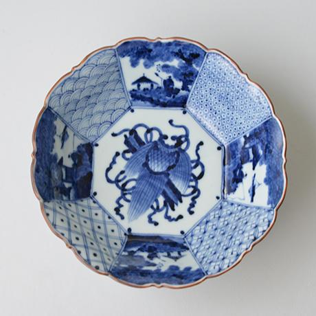 「No.2 祥瑞山水図輪花八角中鉢 / Bowl with landscape design, octagonal shape, Sometsuke」の写真 その2