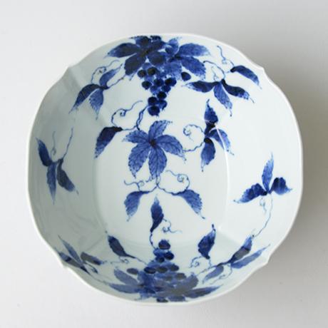 「No.21 葡萄文四方輪花深中鉢  / Dish with grape design, Sometsuke」の写真 その2