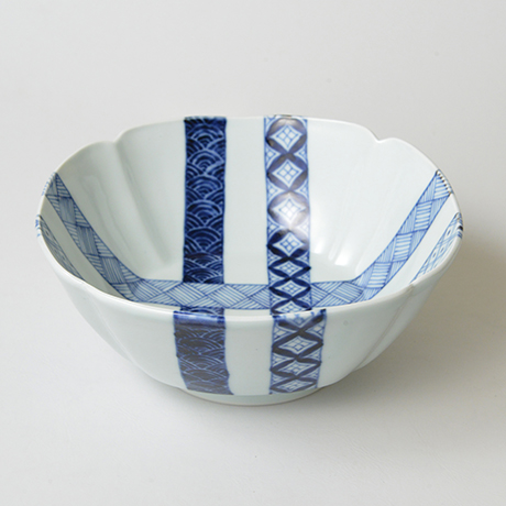 「No.23 帯格子文四方輪花深中鉢  / Square bowl, lattice obi pattern, Sometsuke」の写真 その1