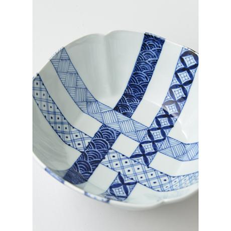 「No.23 帯格子文四方輪花深中鉢  / Square bowl, lattice obi pattern, Sometsuke」の写真 その3
