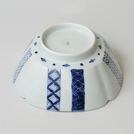 「No.23 帯格子文四方輪花深中鉢  / Square bowl, lattice obi pattern, Sometsuke」の写真 その4