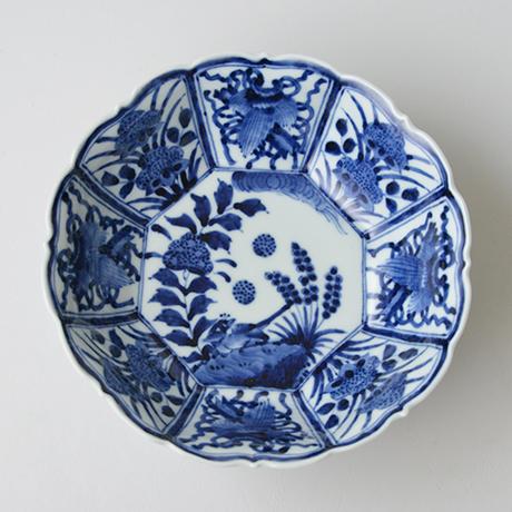 「No.24 芙蓉手花鳥文輪花八角中鉢  / Octagonal bowl with bird and flowers design, Sometsuke」の写真 その2