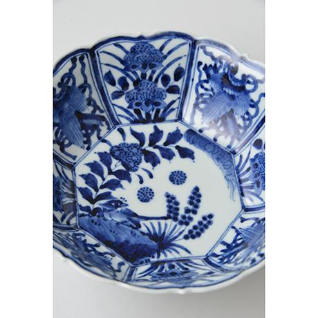「No.24 芙蓉手花鳥文輪花八角中鉢  / Octagonal bowl with bird and flowers design, Sometsuke」の写真 その3