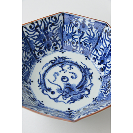 「No.26 龍文八角中鉢  / Octagonal bowl with dragon design, Sometsuke」の写真 その3