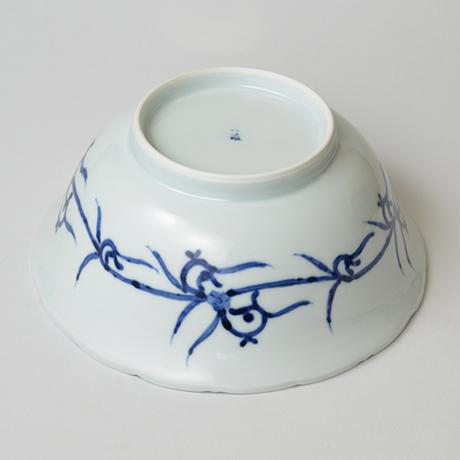 「No.27 花唐草文輪花深中鉢  / Bowl with arabesque design, Sometsuke」の写真 その4