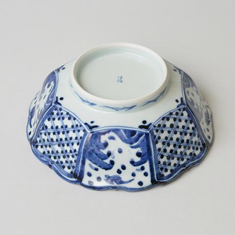 「No.3 波千鳥寿文輪花八角中鉢 / Bowl with design of birds over waves, octagonal, Sometsuke」の写真 その4