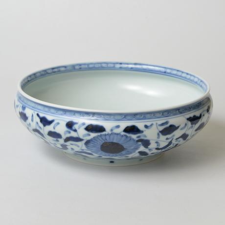 「No.32 菊唐草丸文鉢 八寸  / Bowl with arabesque design, Sometsuke」の写真 その2