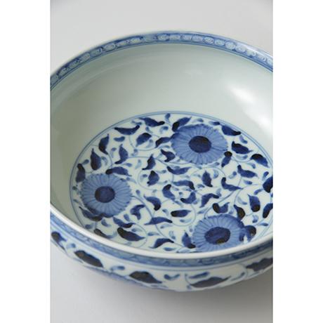 「No.32 菊唐草丸文鉢 八寸  / Bowl with arabesque design, Sometsuke」の写真 その4
