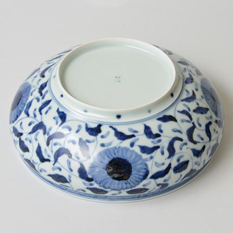 「No.32 菊唐草丸文鉢 八寸  / Bowl with arabesque design, Sometsuke」の写真 その5
