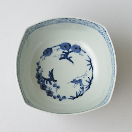 「No.39 花唐草文四方中鉢 / Square bowl with arabesque design, Sometsuke」の写真 その2