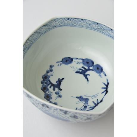 「No.39 花唐草文四方中鉢 / Square bowl with arabesque design, Sometsuke」の写真 その3
