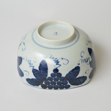 「No.40 葡萄文四方中鉢 / Bowl with grape design, Sometsuke」の写真 その4