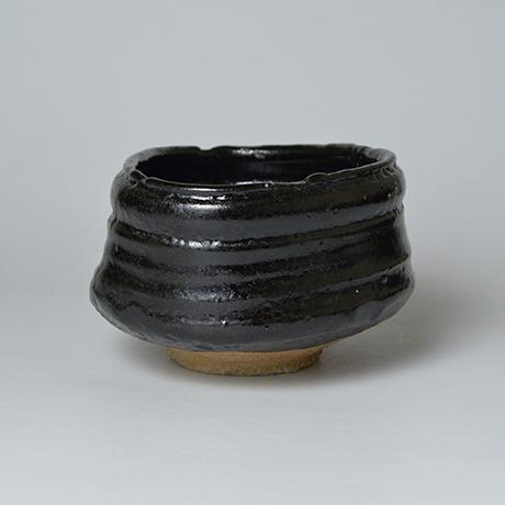 「No.5 織部黒茶盌 / Tea bowl, Oribe-kuro」の写真 その2