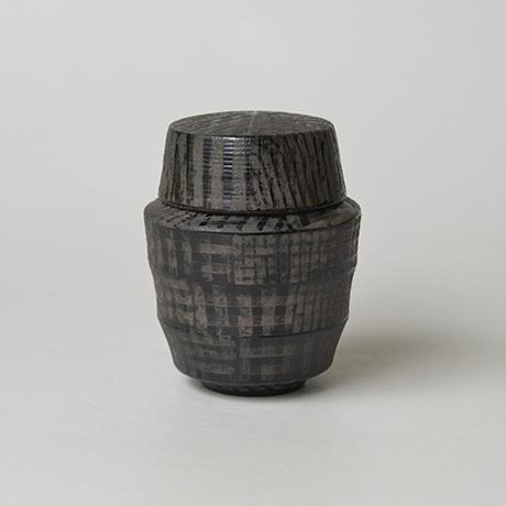 「No.12(図13) 色絵銀彩蓋物  / Covered vessel, Overglaze enamels and silver」の写真 その2
