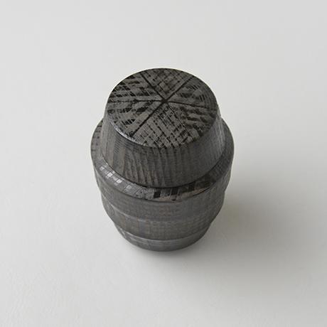 「No.12(図13) 色絵銀彩蓋物  / Covered vessel, Overglaze enamels and silver」の写真 その3