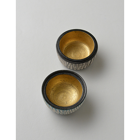 「No.17(図20) 色絵銀彩香合 / Incense container, Overglaze enamels and silver」の写真 その4