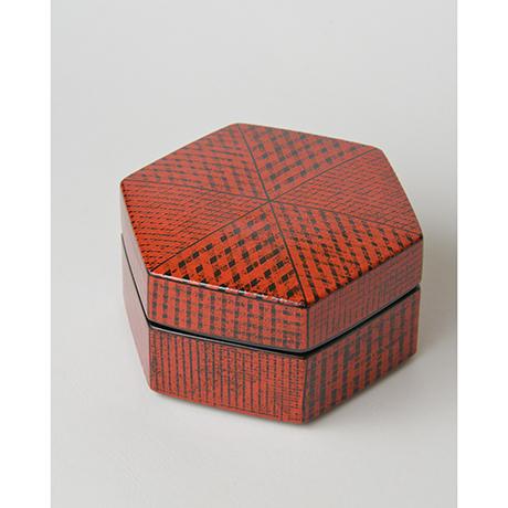 「No.2(図2) 色絵洋彩蓋物 / Covered vessel, Overglaze enamels」の写真 その4