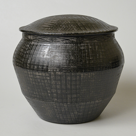 「No.21 色絵銀彩酒会壷 / Covered vessel, Overglaze enamels and silver」の写真 その2