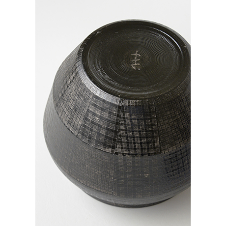 「No.21 色絵銀彩酒会壷 / Covered vessel, Overglaze enamels and silver」の写真 その5