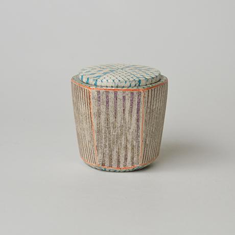 「No.30 色絵銀彩蓋物 / Covered vessel, Overglaze enamels and silver」の写真 その1