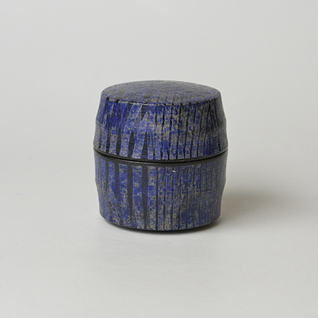「No.41 色絵銀彩香合 / Incense container, Overglaze enamels and silver」の写真 その1