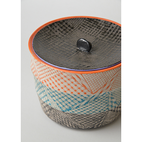 「No.47 色絵銀彩水指 / Water jar (Mizusashi), Overglaze enamels and silver」の写真 その6