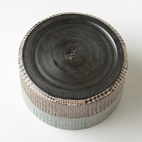 「No.51 色絵銀彩水指 / Water jar (Mizusashi), Overglaze enamels and silver」の写真 その5