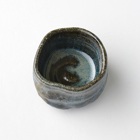 「No.72 石斑ぐい呑 / Sake cup, Ishi-madara (Stone ash glaze)」の写真 その3