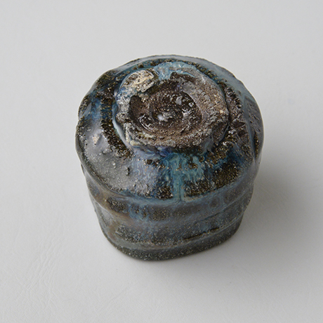 「No.72 石斑ぐい呑 / Sake cup, Ishi-madara (Stone ash glaze)」の写真 その4
